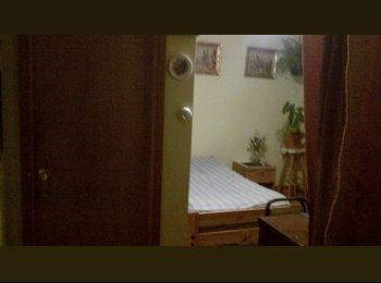 EasyRoommate US - Small bedroom Midway area, Sleepy Hollow - $400 pm