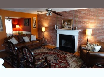 EasyRoommate US - Room with bed and walk in closet, Union City - $530 pm