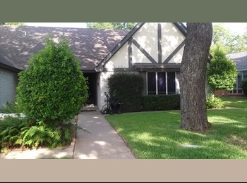 EasyRoommate US - Wooded Custom home with Pool and more, West Arlington - $900 pm