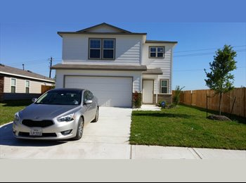EasyRoommate US - Brand new home. Spacious room, large closet, and full bath., Pearland - $800 pm