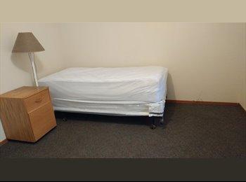 EasyRoommate US - Master bedroom, Santa Rosa - $900 pm