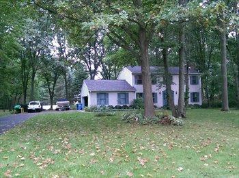 EasyRoommate US - 1925ft2 - LAKE LIVING Roommates for 4 bdrm 2.5 bath house (Hamburg Tnshp)), Ann Arbor - $525 pm