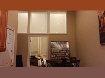 EasyRoommate US - HUGE PRIVATE ROOM, UPDATED, 12ft+ CEILINGS. PERFECT LOCATION., Hoboken - $900 pm