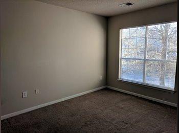 EasyRoommate US - Master Bedroom in Bellevue, Bellevue - $750 pm