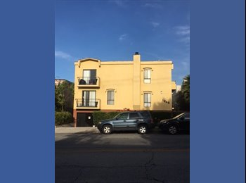 EasyRoommate US - Room available in prime location in Hollywood , Hollywood - $2,000 pm