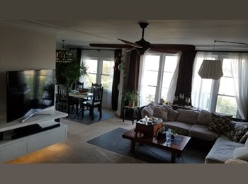 EasyRoommate US - Walking distance from the Grove , Carthay Circle - $1,500 pm
