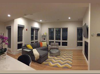 EasyRoommate US - HUGE Room in Luxury Condo-INCLUDES GARAGE PARKING/Master Bedroom/ENSUITE bath, Columbus Park / Andrew Square - $2,400 pm