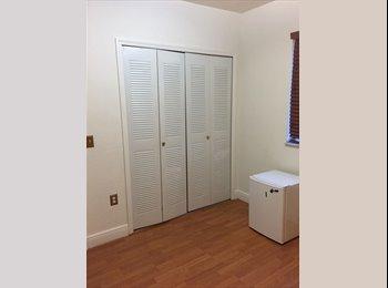 EasyRoommate US - Looking for Female Roommate - $600 Bedroom/Utilities included, Fontainebleau - $600 pm