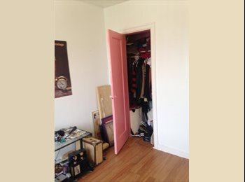EasyRoommate US - $750 Room for Rent in Maspeth right next to Ridgewood., Elmhurst - $750 pm
