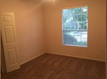 EasyRoommate US - 1 bedroom available in a 3 bedroom apartment. Very good neighborhood, Briarforest - $550 pm