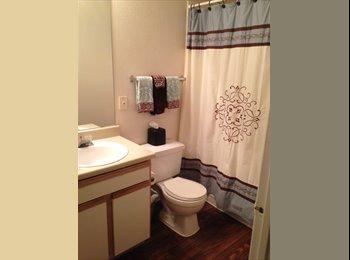 EasyRoommate US - Gated Upstairs Apt. Villas of Oak Hill, Arlington Heights - $650 pm