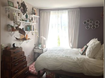 EasyRoommate US - Spacious,  light filled room with en suite bath and walk-in closet, by Whole Foods, Potrero Hill - $2,000 pm