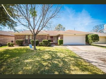 EasyRoommate US - Two roommates needed in 3/2 house, College Station - $475 pm
