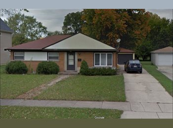 EasyRoommate US - Looking for roommate to split rent in 3 bed house., Schaumburg - $800 pm