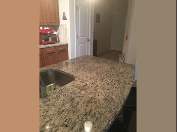 EasyRoommate US - 2 bedroom/2 bath on 6th, Lawrence - $500 pm