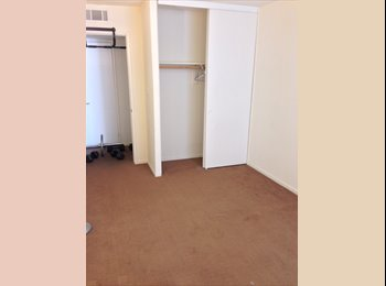 EasyRoommate US - $1300 1bdrm - Alameda (Mins away from the beach/freeway/downtown) , Oakland - $1,300 pm