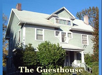 EasyRoommate US - Great close in rooms for dedicated students, etc., Ladd's Addition - $825 pm