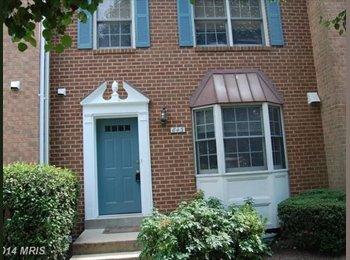 EasyRoommate US - Basement Bedroom Bed + Bath Arlington $800/mo, Arlington Forest - $800 pm