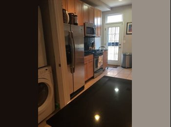 EasyRoommate US - Great Room in Capitol Hill Rowhouse! , Stanton Park - $1,325 pm