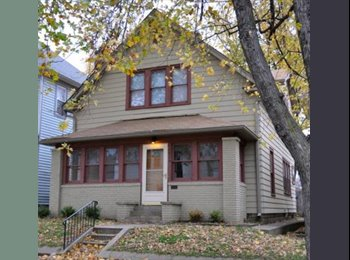EasyRoommate US - Spacious House Going Fast! ~$290/month+utilities, Wholesale District - $290 pm