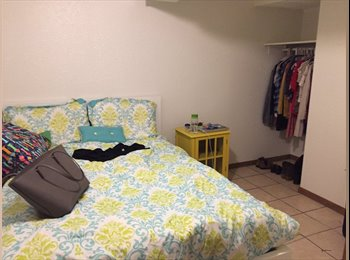 EasyRoommate US - Partially furnished room available August 15th to a female roommate!, Dinky Town - $462 pm