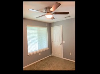 EasyRoommate US - UF area. NEW, UPDATED and CLEAN, Private Bath, Walk-In Closet , Gainesville - $440 pm