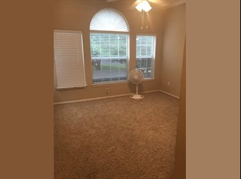 EasyRoommate US - Room for Rent, Addison - $780 pm