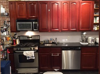 EasyRoommate US - Room Available Nearby Target/Newport - Furnished with Backyard space, Hoboken - $950 pm