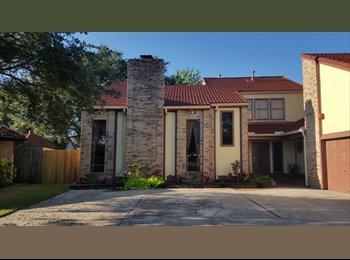 EasyRoommate US - Room for Rent in nice, quiet neighborhood, Edgebrook - $700 pm
