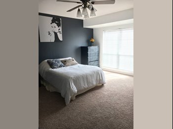 EasyRoommate US - Spacious Bedroom w/ Bath Available in Galleria Area, Uptown - $855 pm