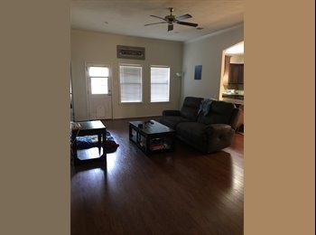 EasyRoommate US - Cute House!, Bryan - $500 pm