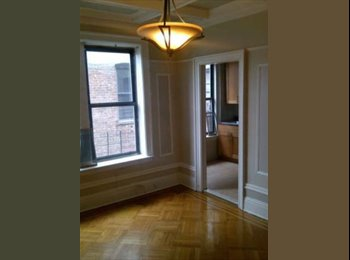 EasyRoommate US - QUEEN BED // IMMEDIATE MOVE IN /// LAUNDRY!, Brooklyn - $775 pm