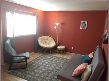EasyRoommate US - Uptown room for rent - less than a mile from West Village!, Oak Lawn - $850 pm