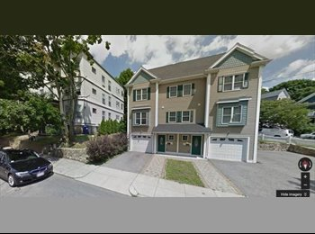 EasyRoommate US - 1 room in new 3.5 bath, 3 BR, 4-floor townhouse - NO FEE!, Oak Square - $1,135 pm