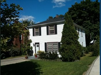 EasyRoommate US - Premium Housing with GREAT Kitchen - Allmendinger Park (AA Old West Side near Mich Stadium) , Ann Arbor - $1,000 pm
