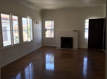 EasyRoommate US - Double room for rent in beautiful spacious appt near The Grove!, Carthay Circle - $1,750 pm