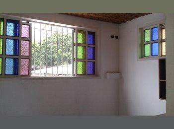 CompartoApto VE - Alquilo habitacion entrada independiente , Caracas - BsF 160 por mes