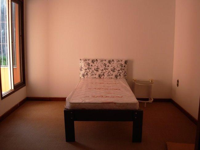 Aluguel kitnet e Quarto em Florianópolis - Aluga-se quartos! | EasyQuarto - Image 1