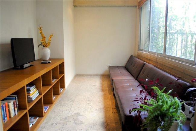 Habitacion en arriendo en Bogotá - Aparta-Estudio Privado Sencillo en La Macarena | CompartoApto - Image 4