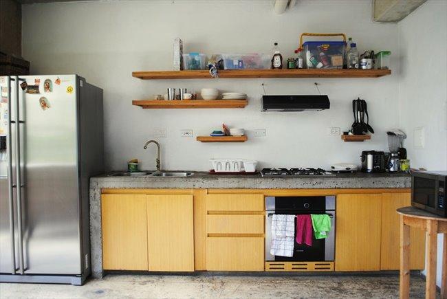 Habitacion en arriendo en Bogotá - Aparta-Estudio Privado de Lujo en La Macarena   CompartoApto - Image 7