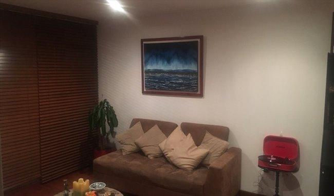Habitacion en arriendo en Bogotá - Magnífica habitación en la Macarena en amplio apto   CompartoApto - Image 3