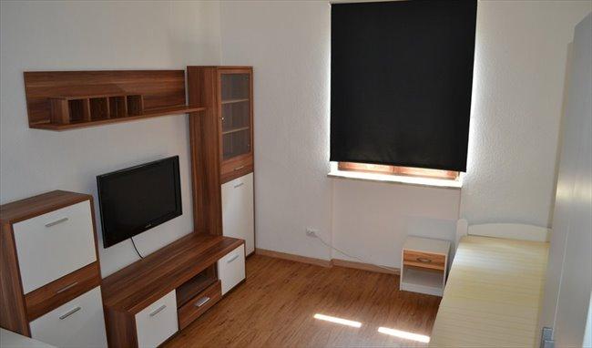 WG Zimmer in Deutschland - Möbliertes WG-Zimmer in bester Lage für Studenten! | EasyWG - Image 1