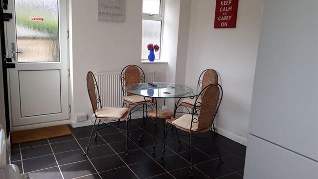 Room to rent in Duston - PARKING,FAST WIFI,REFURBISHED HOUSE NEAR SIXFILDS - Image 6