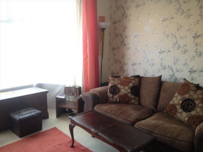 Room to rent in Benwell - 3 Bedroom Semi detached house on quiet U Street - Image 4