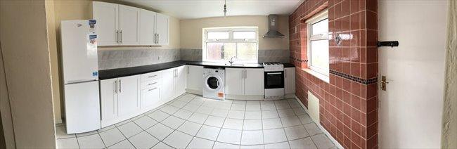 Room to rent in Fenham - Double room  - Image 5