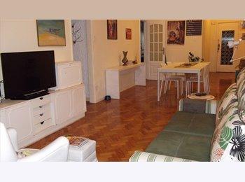EasyQuarto BR - Procuramos amigos para morar com a gente - Copacabana, Copacabana - R$ 1.200 Por mês