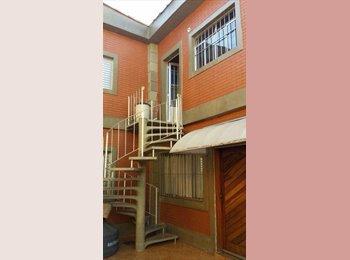 EasyQuarto BR - Aluga-se quarto mobiliado, somente para moça, Osasco - R$ 500 Por mês