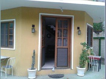 EasyQuarto BR - Quarto em casa na Ilha Primeira, Barra da Tijuca RJ, Itanhangá - R$ 800 Por mês