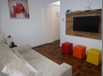 EasyQuarto BR - Quarto para meninas, Porto Alegre - R$ 700 Por mês