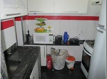 EasyQuarto BR - Um lugar para chamar de Lar/A place to call home, Copacabana - R$ 950 Por mês